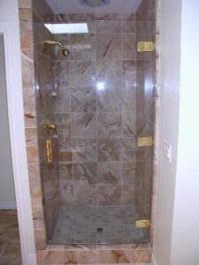 showerdoors0906 010