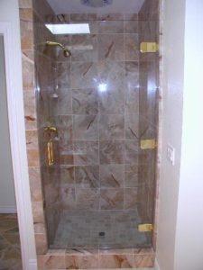 showerdoors0906 010